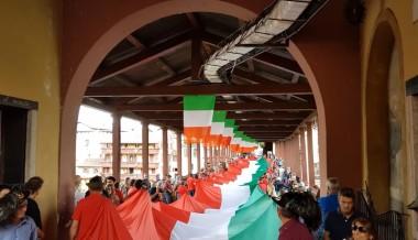 Il Tricolore da Guinness sfila a Bassano del Grappa – 29 maggio 2016